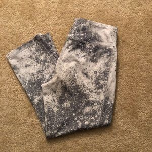 Grey and White Old Navy leggings